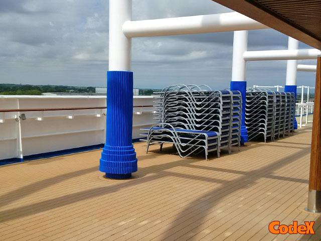 Cruise ship pillars protective paddings